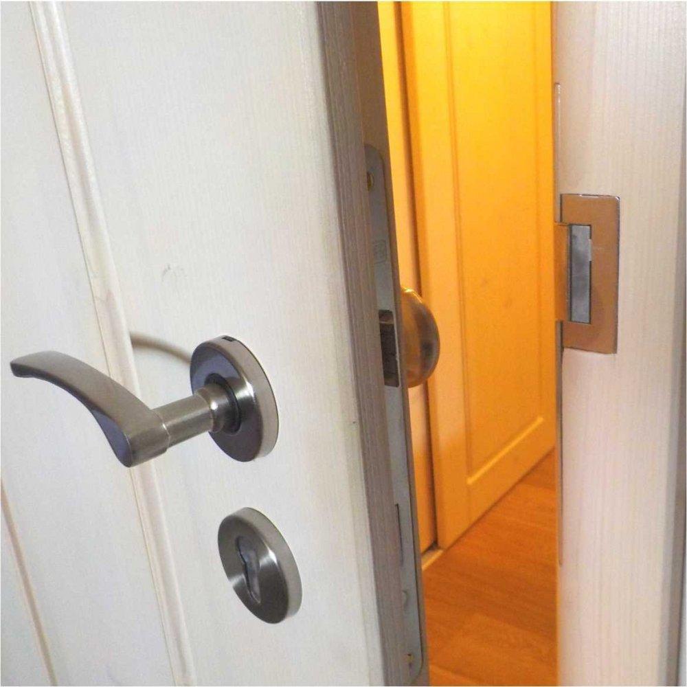 Elektrický zámok dverí s lakovaným štítkom